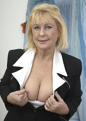 Free Blonde Porn Pictures