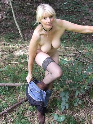 Free Outdoor Porn Pictures